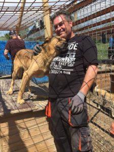 Oli mit Tierschützer in Rumänien